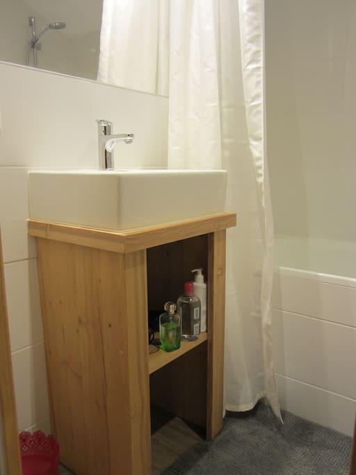Salle de bains du haut