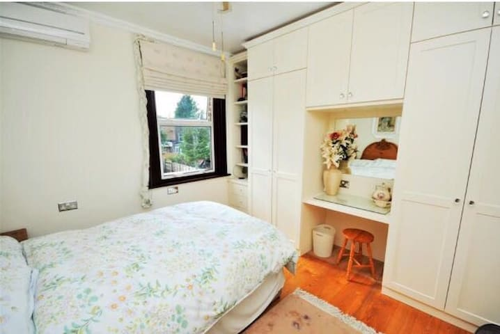 Double room near Northern Line with a Sauna - Londyn - Dom