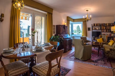 """Apartment""""Maria Theresia""""    3-Zimmer,sonnig,ruhig"""