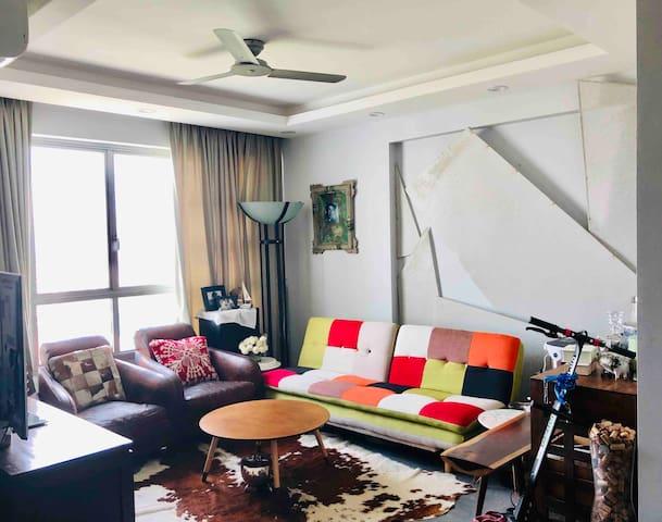Ultra Modern Space & Luxurious Room in Balestier