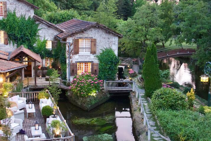 Le Moulin Du Roc, près de Brantôme (Périgord)
