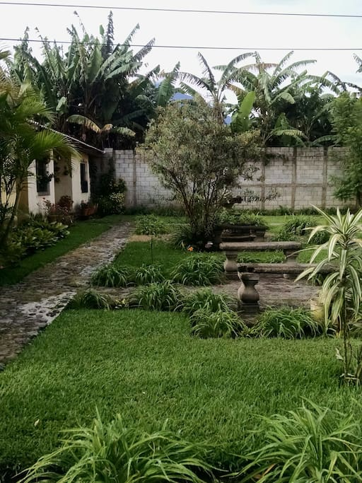 Beautiful garden!!