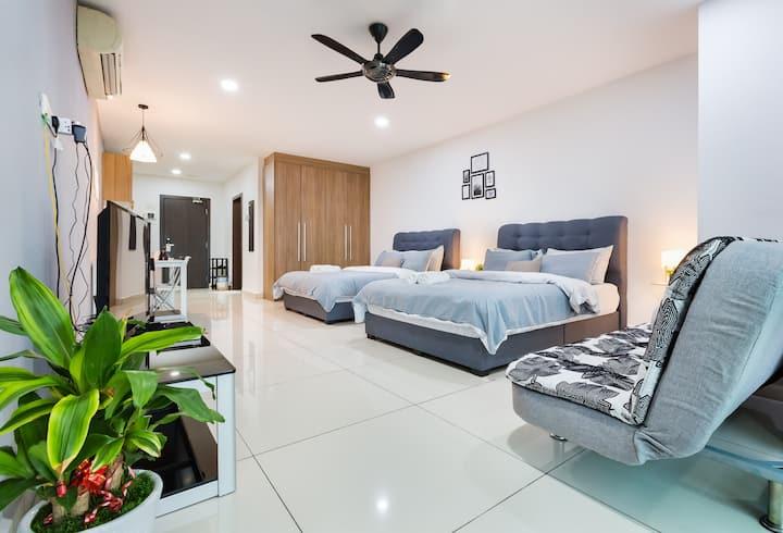 Modern Cottage @KSL JB | 4-5Pax | #1中文房东 | Netflix