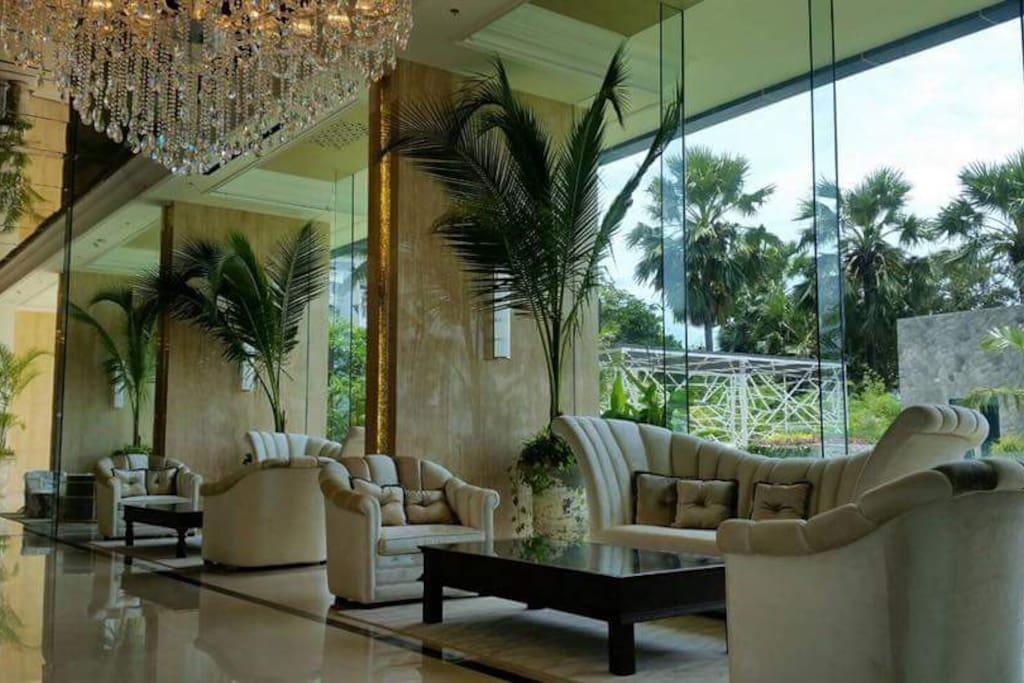 The Palm Wongamat Beach Entrance/Reception