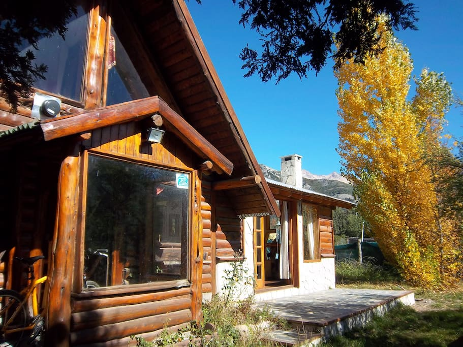 Stunning ski and summer lodge mountain retreat houses for rent in san carlos de bariloche - Large summer houses energizing retreat ...