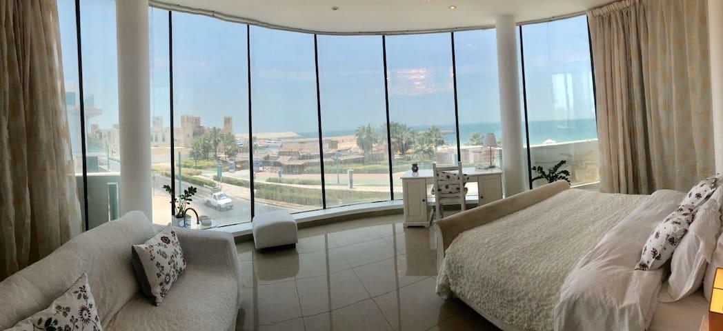BEST BEACH FRONT LIVING IN DUBAI  - BEACH FRONT