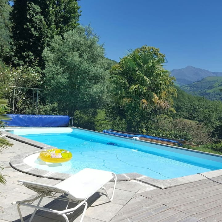 Villa with 3 bedrooms in Aspin-en-Lavedan, with wonderful mountain view, private pool, enclosed garden - 38 km from the slopes