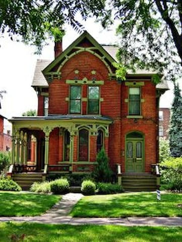 Charming Victorian Apt:  Best Street in Detroit