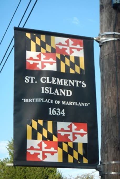 Nearby St. Clement's Island and public pier, operated by St. Clement's Island Museum. 2nd weekend in July is Seafood and Jazz festival (outdoor jazz stage); 1st weekend in October is Blessing of the Fleet with vendors and carnival. Museum hosts activities