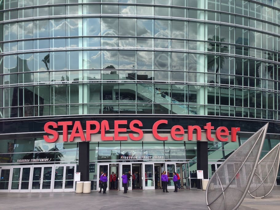 Walk to Staples Center (for Lakers, Clippers, Kings Games and Concerts)