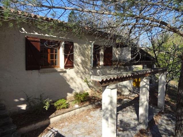 House quiet in Provence - Esparron - Ev