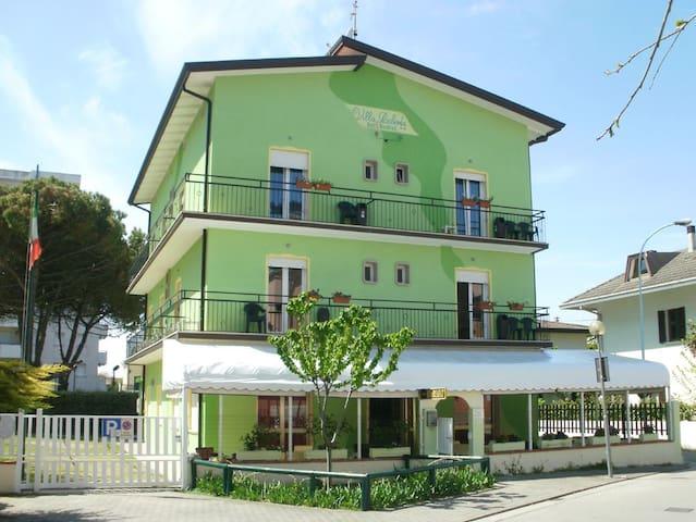 Villa Roberta B&B in Jesolo-VENICE!