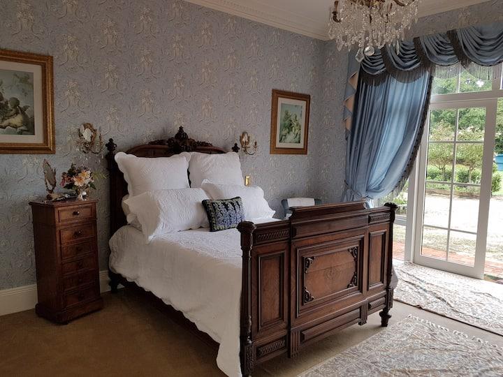 Meadow Oaks Manor