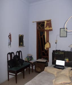 kamar yang eksotis dan menarik - Pati - Casa