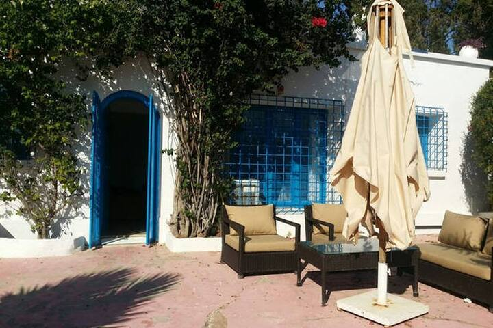 Sidi Bou Said centre. 2 pièces terrasse au calme. - Carthage - House