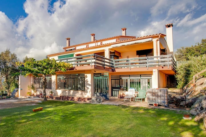 Modern Holiday Home in Romanyà de la Selva with Pool