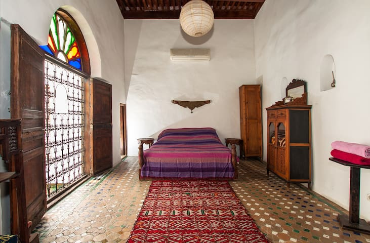 Stunning Ferhana room in Medina Dar - Fés Medina - Bed & Breakfast