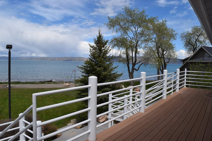 Spectacular 4-bed BEACHFRONT townhome at Bear Lake