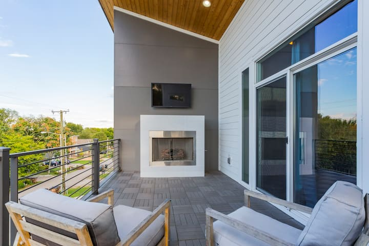 Private | Modern | 3bd w/ loft | Sleeps 10