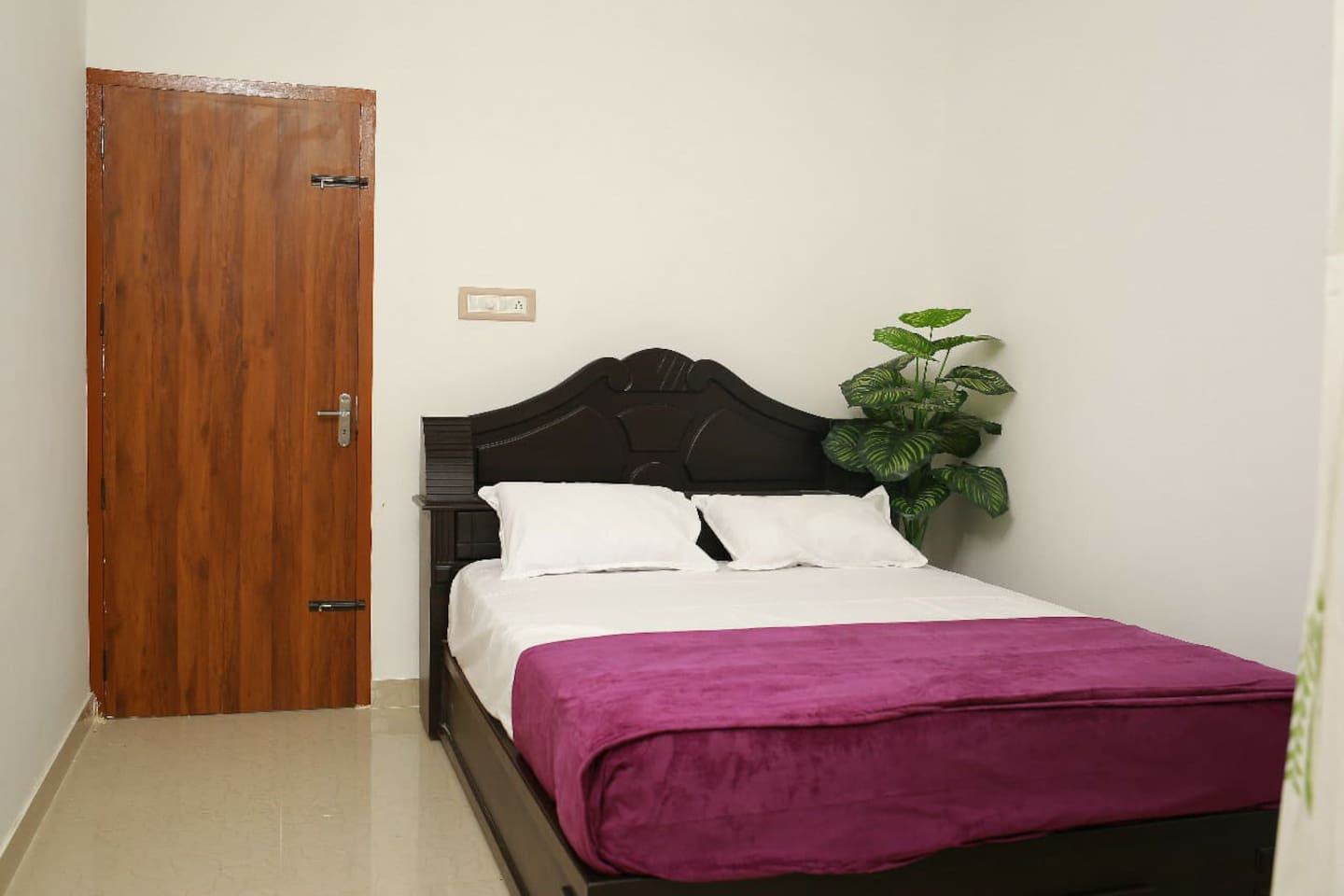 comfortable beds with clean linen