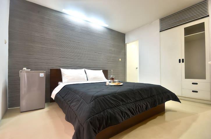 FLAT06. minimalist residence - 01 - Kebayoran Baru - Bed & Breakfast