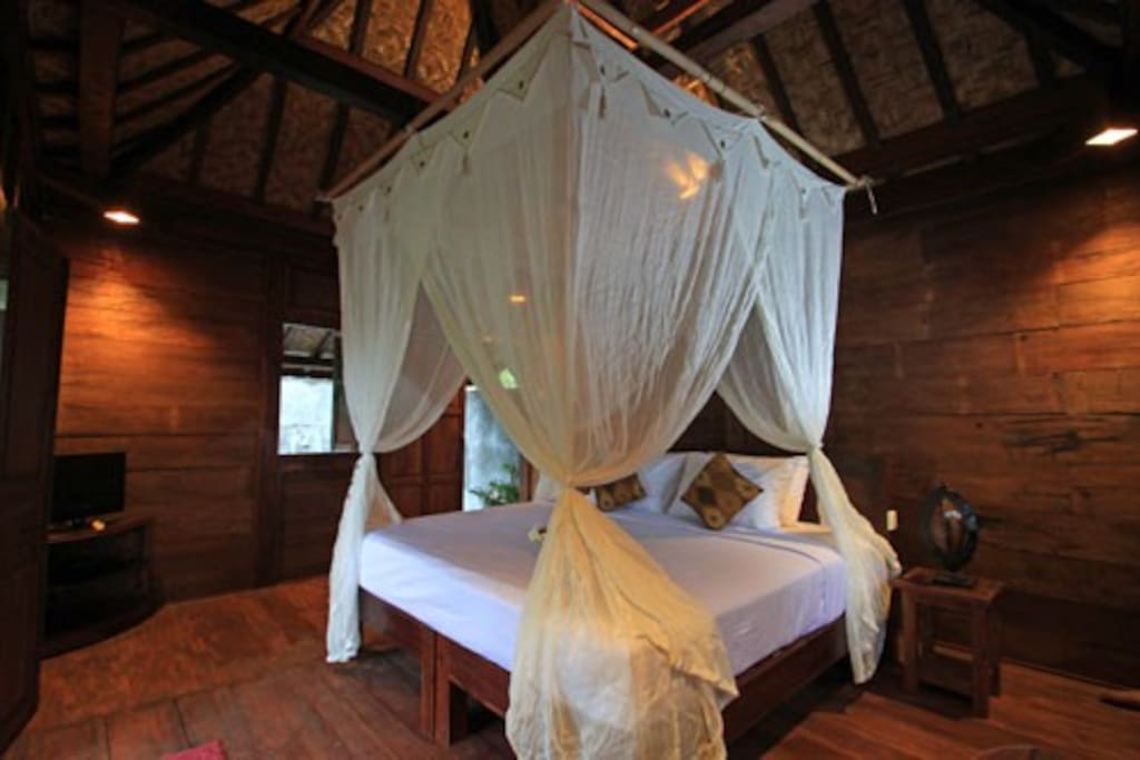 King size bedding at Wooden House Kejora