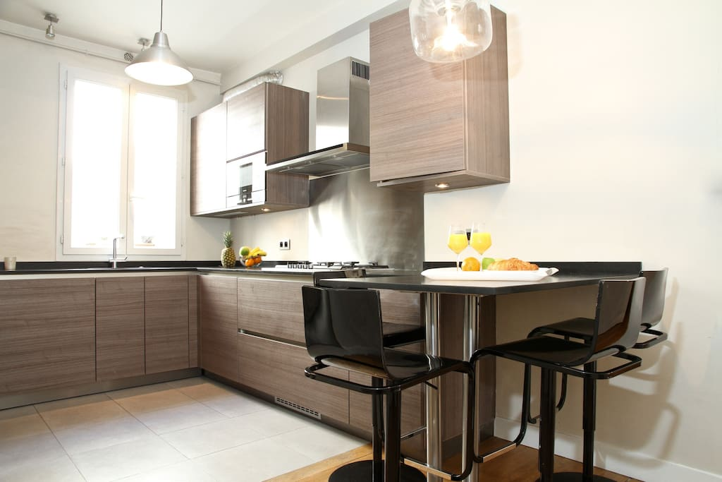 Modern, fully-equipped kitchen