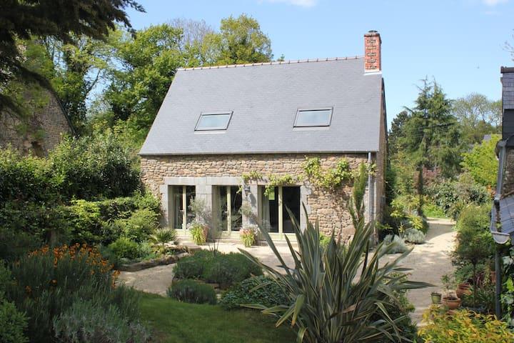 Charmante maison prés de St Malo - Cancale- Dinard - Le Tronchet - Rumah