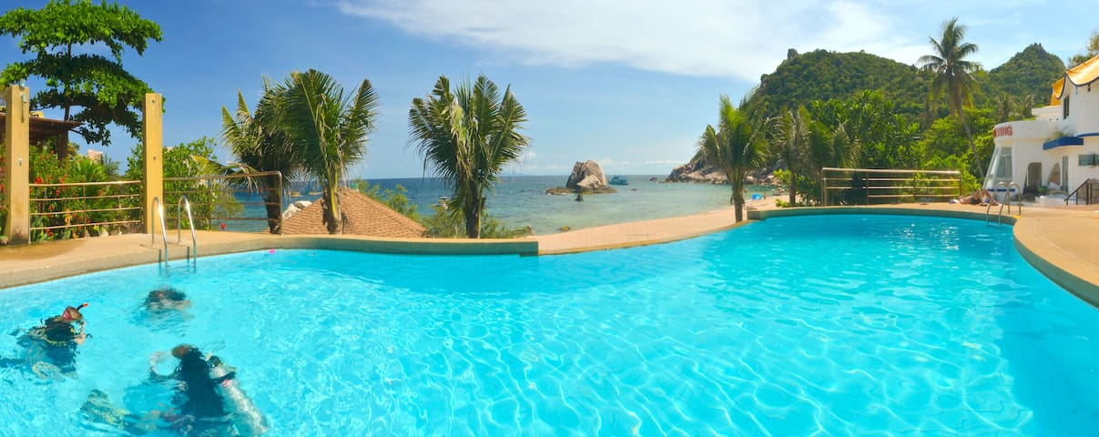 Simple Deluxe Cottage in Koh Tao!