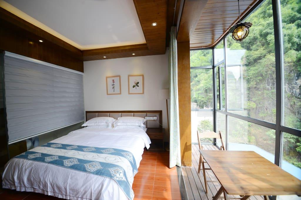 阳台大床房
