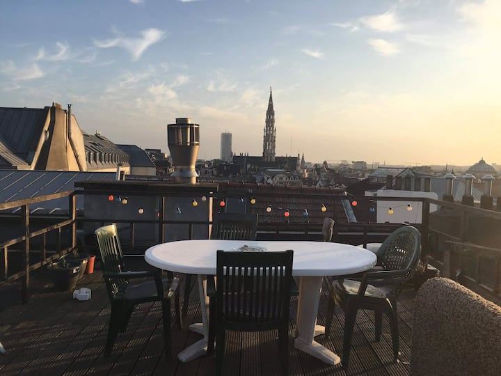 PRIVATE ROOM IN HEART OF BRUSSELS WITH A VIEW