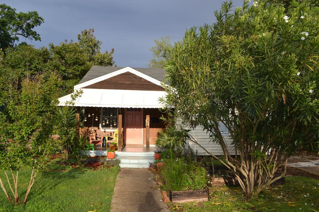 3bd/2ba beach cottage