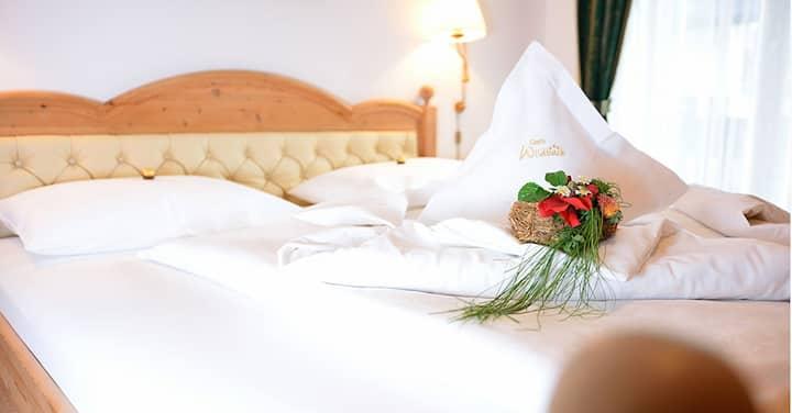 Confortevole ed elegante camera matrimoniale