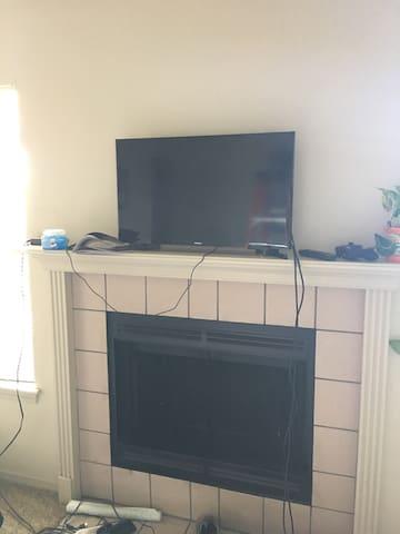 Beautiful, Clean 1 room apartment - Wichita