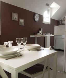 Jasmin Location meublée  Tourisme Affaire - Troyes - Apartment