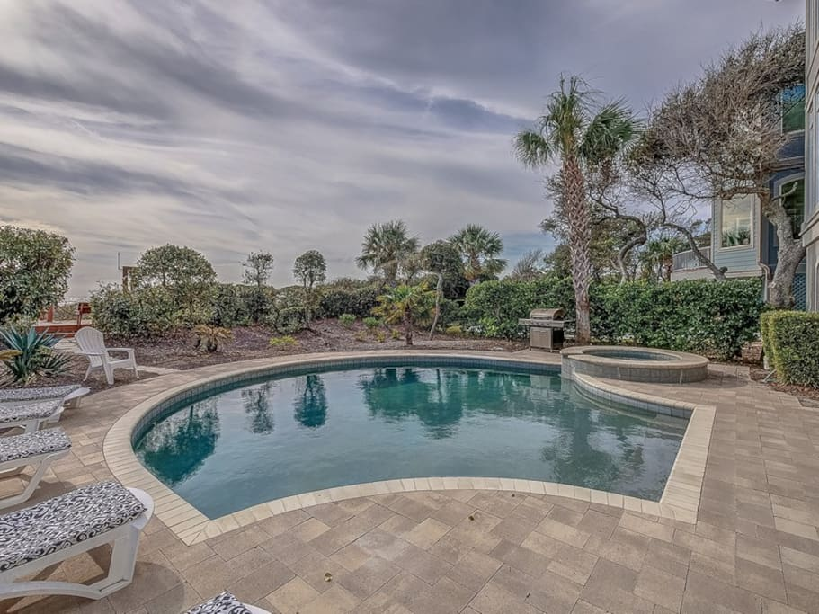 Oceanfront Pool and Spa at 39 Dune Lane