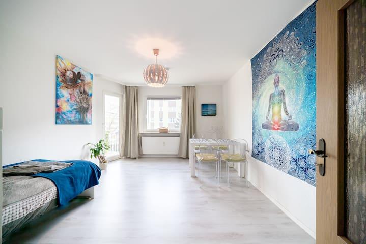 Zimmer mit WiFi + Balkon