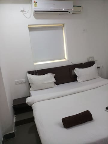 Bed & Breakfast Rooms Preaceful Location Kondapur