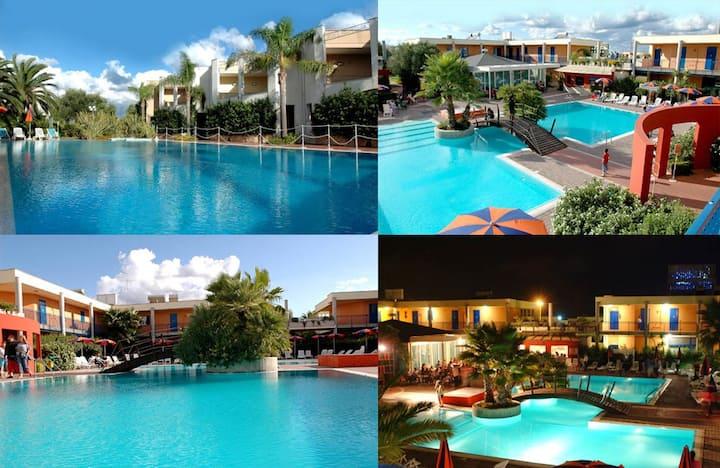 Vacation home with garden - Sairon Club Village