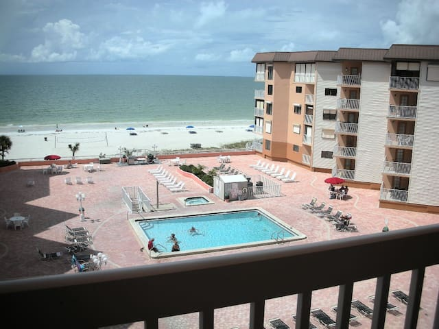 AWESOME PENTHOUSE CONDO ON GULF OF MEXICO