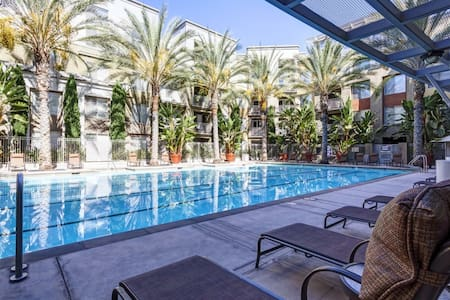 Luxury apartment on Main St Irvine - Irvine