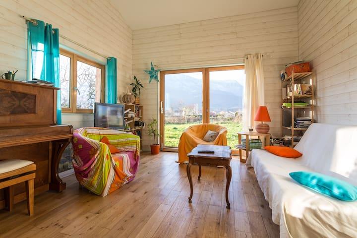 chambre verte couple vue chartreuse - Pontcharra - Dům