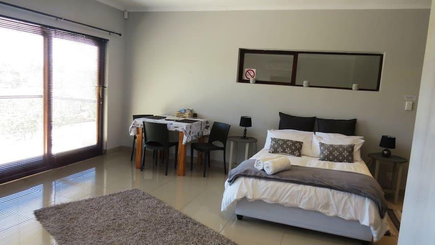 Comfortable Upstairs Apartment  Oudtshoorn