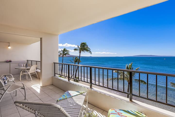 Sugar Beach PH35 Amazing Front Row Oceanviews and a Beautiful Direct Beachfront