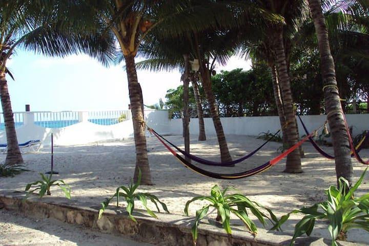 Departamento de 3 recamaras frente a la Playa! - Puerto Morelos - Apartamento
