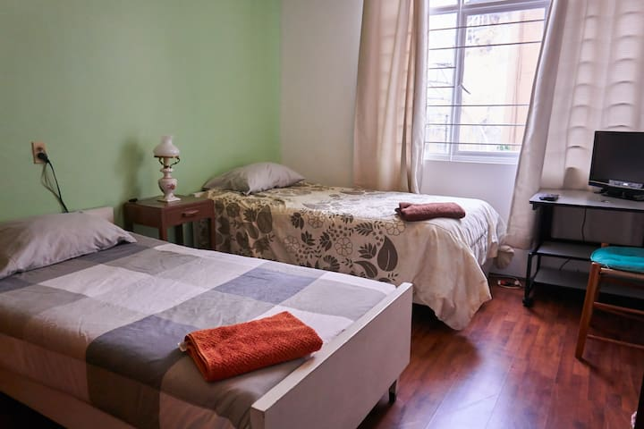 Room for 2 in Condesa