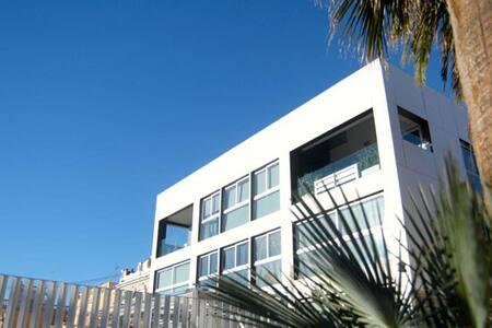 BEACH APARTMENT FOR SEASONAL RENTAL - Valencia