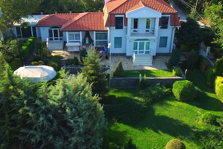Self-contained part of a house with garden - Varna