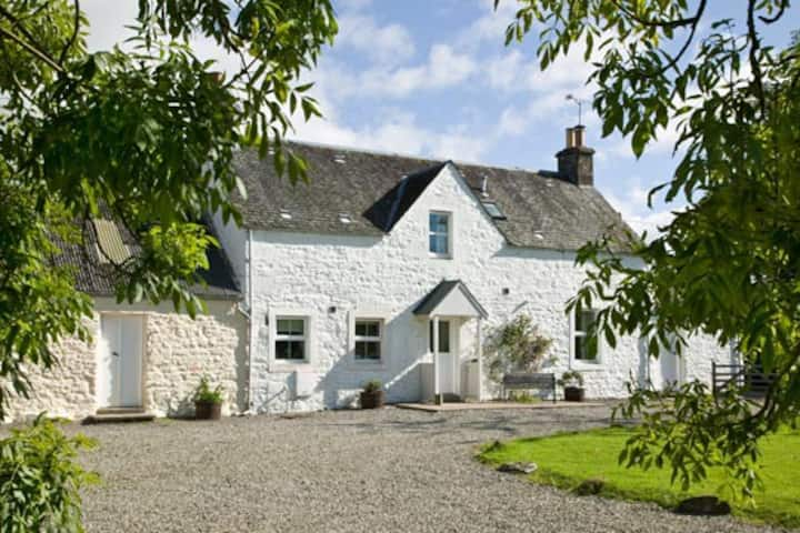 Arnvicar - Traditional Scottish farm steading