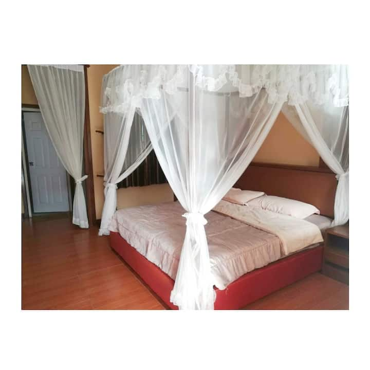 K House - Dreaming Room